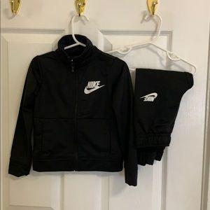 Nike boys sweat suit